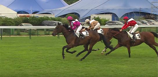 Marguerite Champion galope vers la victoire